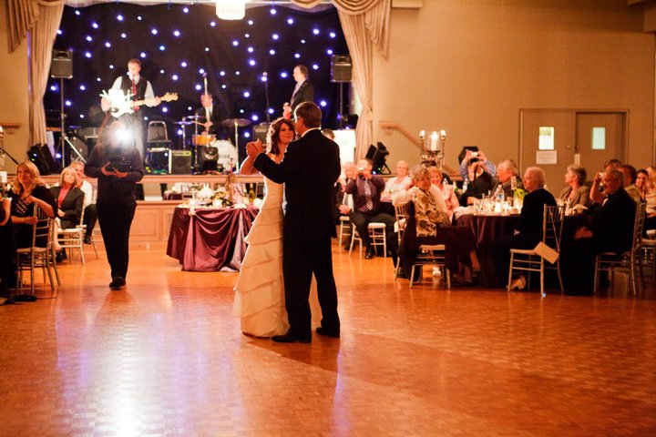 Top 8 Tips For Hiring A Live Band In Singapore For Your Wedding