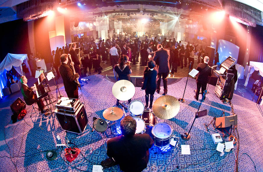 Top 8 Tips For Hiring A Live Band In Singapore Your Wedding Reception